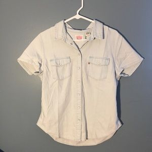 Levi's Western Short Sleeve Pearl snap shirt.